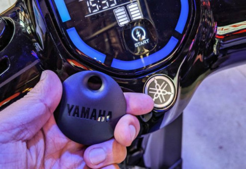 Cận cảnh Yamaha EC-05 chiếc xe máy điện khiến VinFast Klara hoang mang