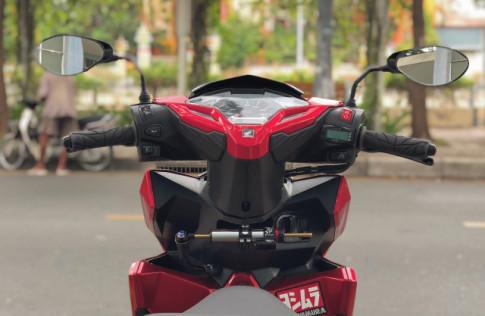 Click 125i do manh bao so trai 58 de giao tra sua cua biker Sai Gon