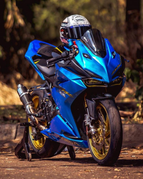 Honda CBR250RR do phong cach xanh Blue tran day hi vong