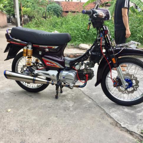 Honda Dream do hoi tho Titanium day suc cong pha