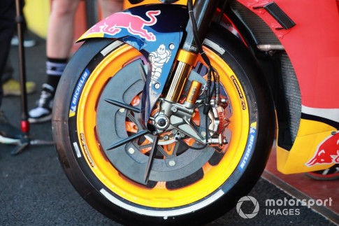 [MotoGP 2019] Lorenzo dang co gang 'Ducati-ize' chiec Honda RC213V cua minh