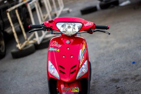 Ngam Yamaha Mio do xe gio voi doi chan than toc