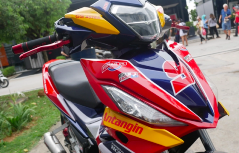 Winner 150 do sieu da theo phong cach Moto2 tai truong dua Malaysia