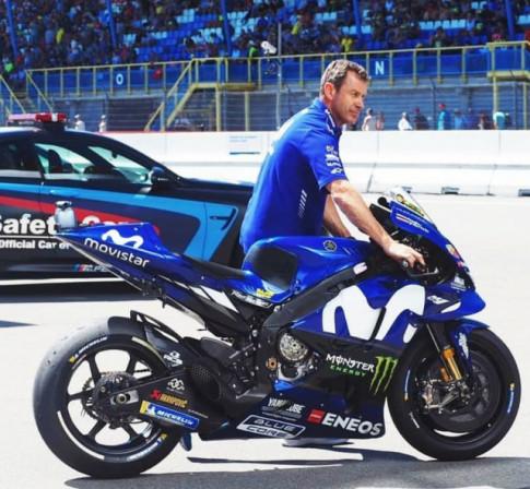 Yamaha M1 se ap dung he thong dien tu den tu WSBK
