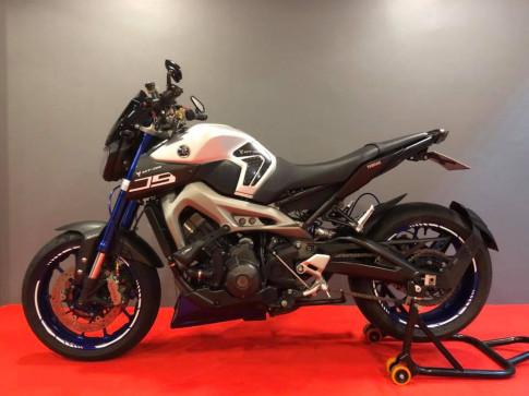 Yamaha MT-09 su hoa tron hoan hao giua khung hinh Nakedbike va Guile co dien