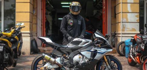 Yamaha R1M chat choi voi dan option com can