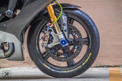 Yamaha R1M do loi cuon voi day ap cong nghe dinh cao