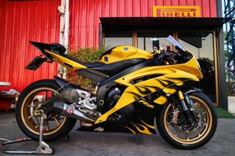 Yamaha R6 'Ngua chien' day dung manh ben mau ao lua