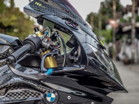 BMW S1000RR độ full black đầy kịch tính