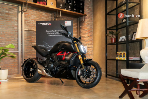 Can canh Ducati Diavel 1260