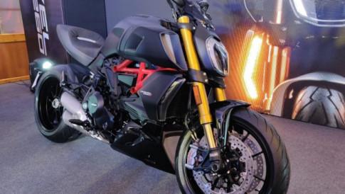 Can canh Ducati Diavel 1260 va Diavel 1260 S voi gia tu 582 trieu dong