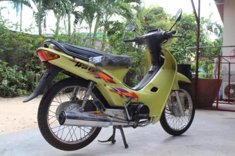 Cận cảnh Honda Wave Thái 110 chưa lăn bánh trong 19 năm
