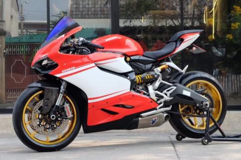 Ducati Panigale 899 do an tuong voi phong cach Superleggera
