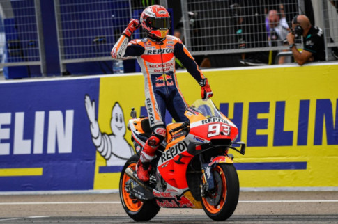 [MotoGP 2019] Marquez chien thang mot cach de dang tai GP ARAGON 2019