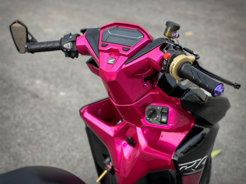 Vario 150 Black-Pink Racing ấn tượng với dàn đồ chơi đẹp bá cháy