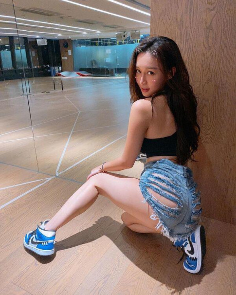 Hot girl len song voi chiec quan ky la, vong 3 cang day tro thanh diem nhan