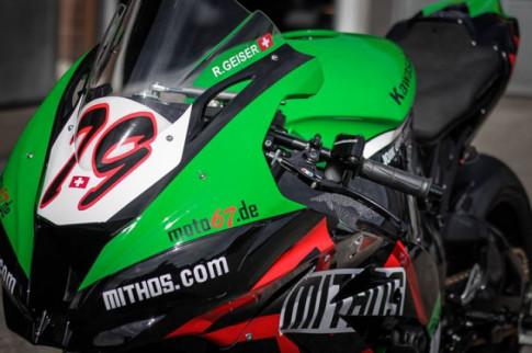 Kawasaki Ninja ZX-10R do khong the che duoc voi phong cach Racing